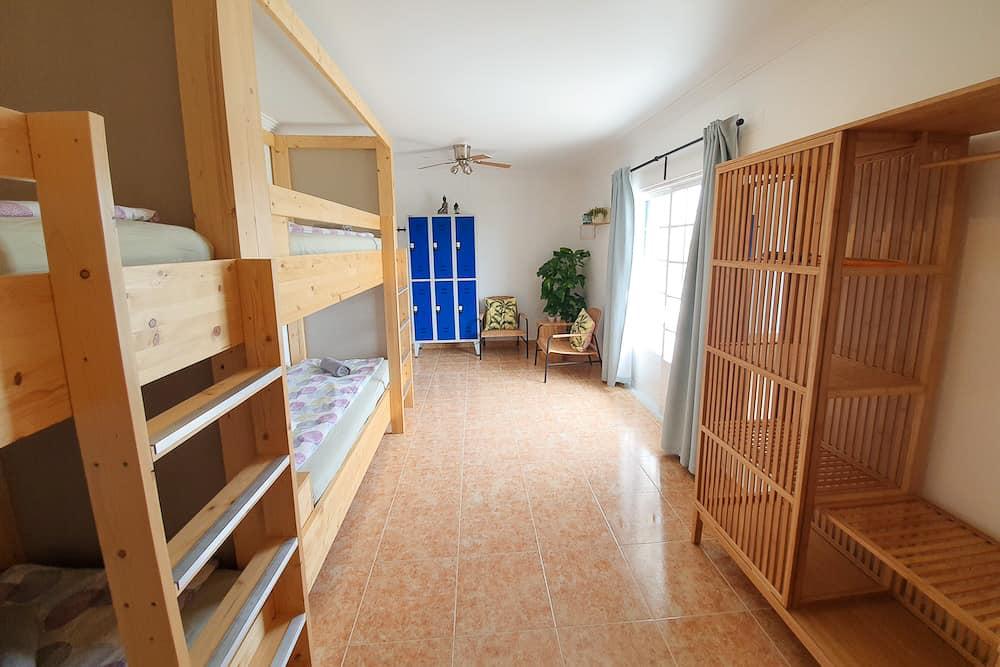 bunkbeds shared room